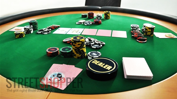 poker table 1